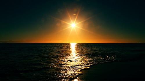 2015-10-Life-of-Pix-free-stock-photos-sunset-sea-light-mikewilson