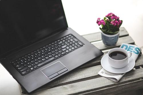 kaboompics.com_Work with coffee (1)
